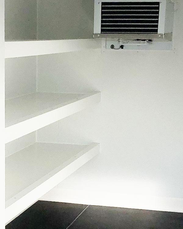 Remorque frigorifique 4m3 avec rayonnages